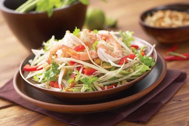 Salade vietnamienne aux papayes vertes et carottes